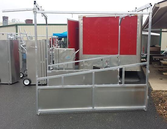 Picture of Aluminum Stall Setup